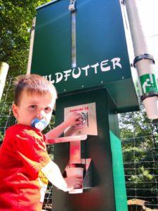 Kommt bei den Besuchern gut an: Die neuen Futterautomaten!